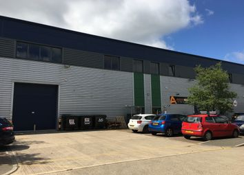 Thumbnail Warehouse to let in Whiteleaf Road, Hemel Hempstead