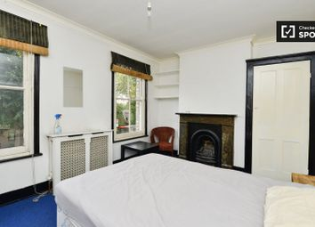 Thumbnail Room to rent in Eastway, London