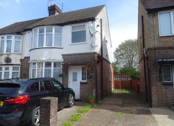 Thumbnail 3 bed terraced house to rent in Beechwood Road, Luton