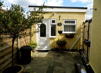 Thumbnail 1 bed flat to rent in Lancaster Drive, Elm Park