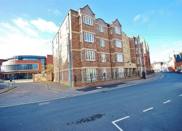 Thumbnail 2 bed flat to rent in Broad Street, Spalding
