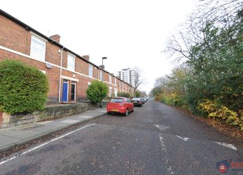Thumbnail 5 bedroom flat to rent in South View West, Heaton, Newcastle Upon Tyne