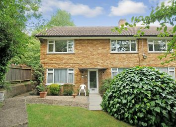2 bed maisonette to rent in Hill Close, Stanmore HA7