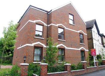 Thumbnail 2 bed flat to rent in Bedwardine Road, Upper Norwood