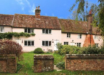 Thumbnail 2 bed cottage for sale in Chipperfield Road, Bovingdon, Hemel Hempstead