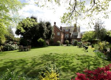 Thumbnail 2 bedroom flat for sale in Calonne Road, Wimbledon