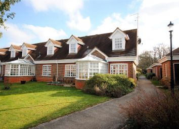 Thumbnail Flat for sale in Whybrow Gardens, Berkhamsted