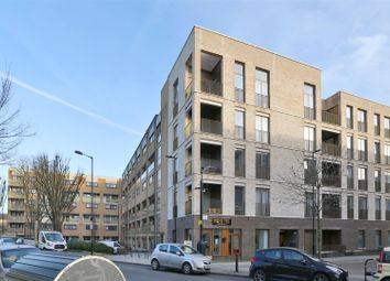 Thumbnail 3 bed flat to rent in Brownswood Road, London