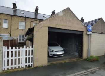 Thumbnail 5 bed terraced house for sale in Linden Terrace, Hipperholme, Halifax