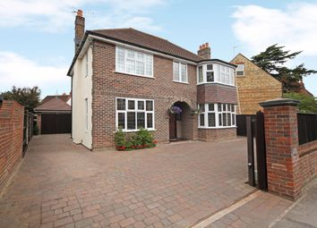 Thumbnail 4 bed detached house to rent in Frances Road, Windsor, Berkshire