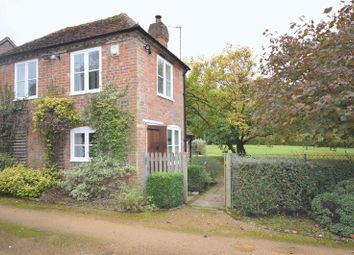 Thumbnail 1 bed detached house to rent in School Lane, Seer Green, Beaconsfield