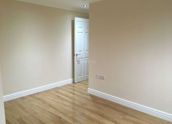 2 bed flat to rent in Chalvey Road East, Slough SL1