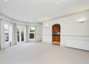 Thumbnail 2 bedroom flat to rent in Oatlands Chase, Weybridge