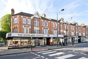 Thumbnail 2 bed flat to rent in Sheen, London