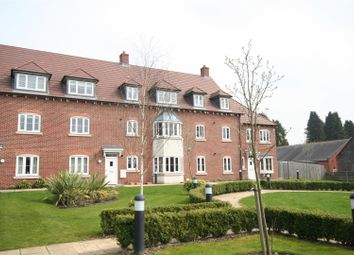 Thumbnail Flat to rent in Avian Avenue, Curo Park, Frogmore, St.Albans