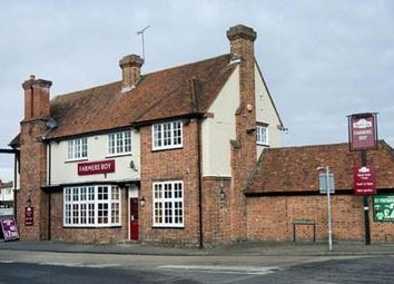 Thumbnail Pub/bar to let in Harrow Lane, Maidenhead