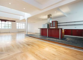 Thumbnail 4 bed flat to rent in Shepherdess Walk, London