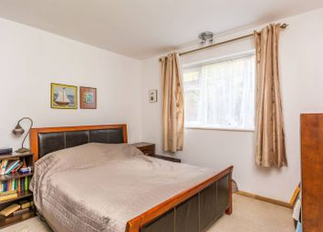 Thumbnail 2 bed flat to rent in Grosvenor Court, Chiswick