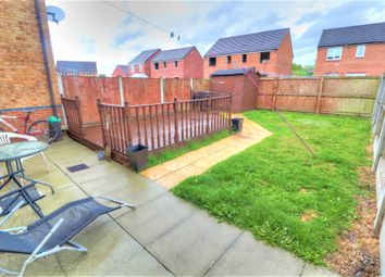 Borrowbeck Close, Platt Bridge, Wigan WN2. 3 bed mews house