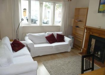 Thumbnail 1 bed flat to rent in Hartfield Crescent, Wimbledon, London
