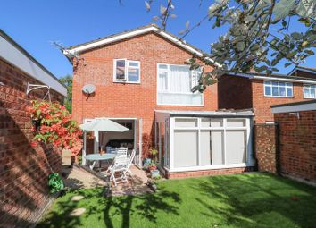 Thumbnail 4 bedroom detached house for sale in Garrett Close, Dunstable