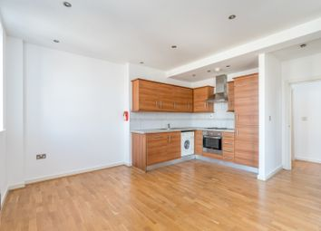Thumbnail 3 bedroom flat to rent in Fieldgate Street, Liverpool Street