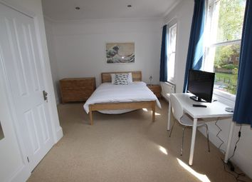 Thumbnail Room to rent in Tilehurst Road - Room 3, Reading
