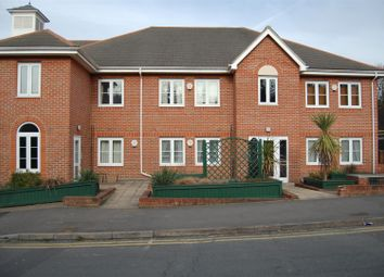 Thumbnail 2 bedroom flat to rent in Coningsby Road, High Wycombe