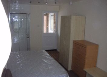 Thumbnail 1 bed flat to rent in Studio Flat, Ravenfield, Englefield Green