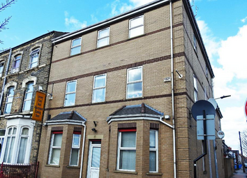 2 bed flat to rent in Peel Court, Hull HU3