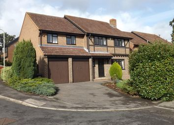 Thumbnail 5 bed detached house to rent in Dauntless Road, Burghfield Common, Reading