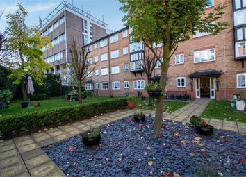 1 bed flat for sale in Regarth Avenue, Romford, Greater London RM1