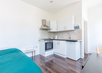 Thumbnail Studio to rent in Milton Avenue, Highgate, London