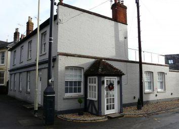 Thumbnail 3 bedroom flat for sale in Charnham Street, Hungerford