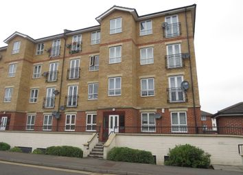 Thumbnail 2 bedroom flat for sale in Grove Road, Luton