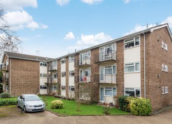Thumbnail 2 bedroom flat for sale in Lovelace Gardens, Surbiton