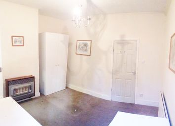 Thumbnail Studio to rent in Gladesmore Road, London