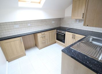 Thumbnail 1 bed flat to rent in Hanover Street, Keighley