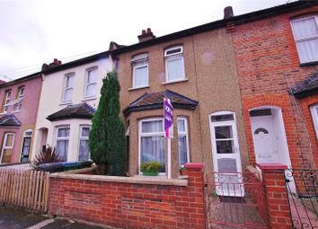 Thumbnail 2 bed property for sale in Kings Avenue, Watford, Hertfordshire