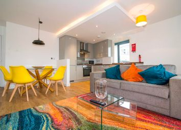 Thumbnail 1 bed flat for sale in Q House, Kew Bridge Road