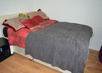 Thumbnail Room to rent in Venus Road, London