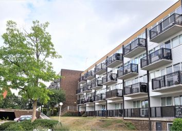 Thumbnail 2 bed flat for sale in Hillside, Hoddesdon