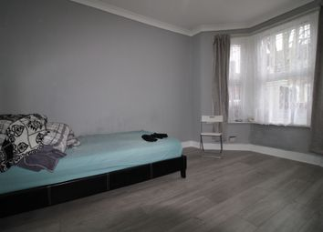 6 bed terraced house to rent in Dunedin Road, London E10