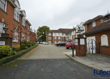 1 bed flat for sale in Crothall Close, London N13