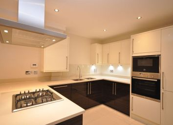 Thumbnail 1 bed flat to rent in Victoria Mansions, Rickmansworth