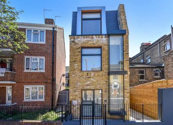 Thumbnail 1 bed detached house to rent in Rainbow Street, London