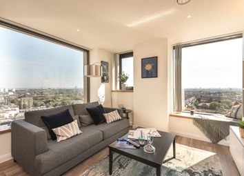 Thumbnail 1 bed flat to rent in 904 Vantage Point 2 Junction Road, London