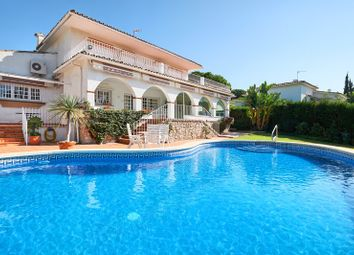 Thumbnail 4 bed villa for sale in Guadalmina Alta, Malaga, Spain