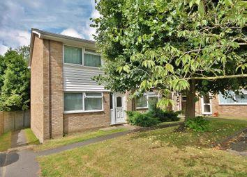 1 bed maisonette to rent in Highclere Court, Knaphill, Woking GU21
