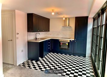 2 bed flat to rent in Maidenburgh Street, Colchester CO1